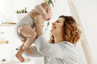 Правильный уход за грудью для кормящих мам